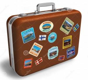 valise-en-cuir-de-course-avec-des-étiquettes-19745612