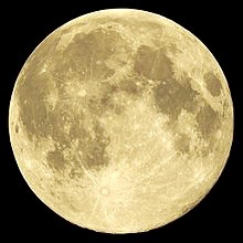 2014-08-10,_full_Moon_near_perigee (1)